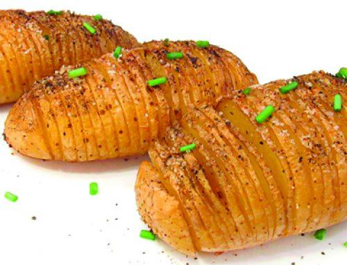 Patatas al horno con cebollino picado